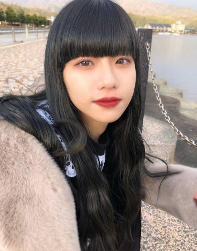 Hina_黒髪ぱっつん